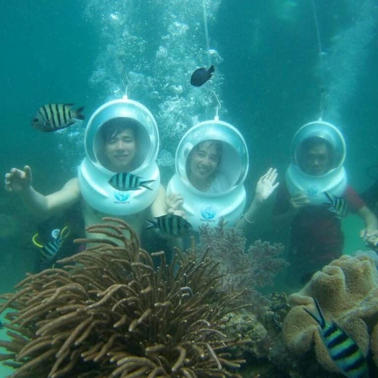 Погружение в скафандре к коралловому рифу