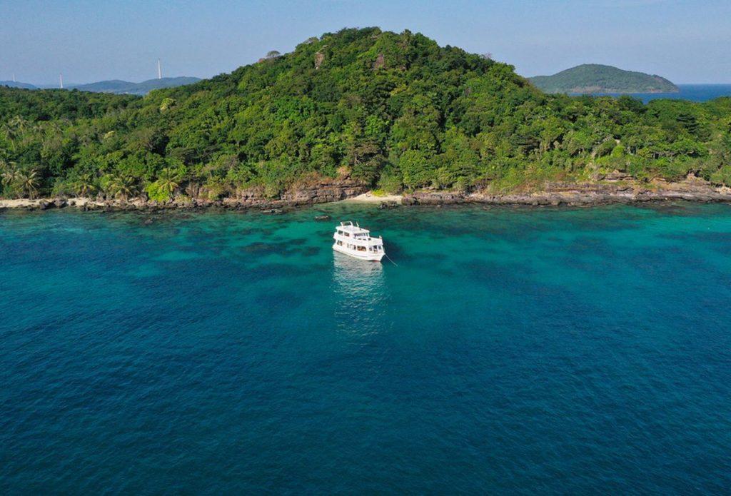 Аренда катеров и яхт на Фукуоке: идём в море!